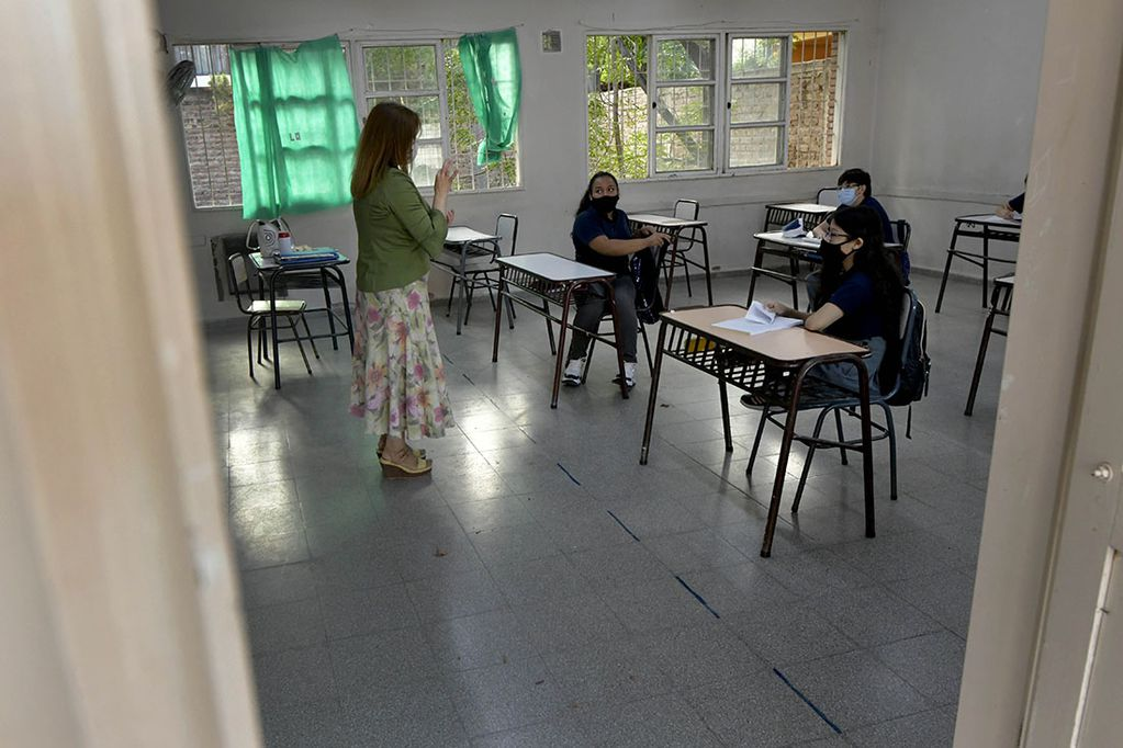 """La mayor parte de las secundarias de Mendoza trabajan actualmente con sistemas de """"burbujas"""".Foto: Orlando Pelichotti"""