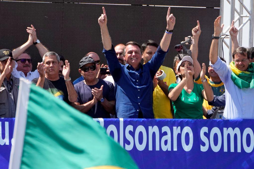 Seguidores de Bolsonaro coparon las calles de Brasil y el presidente amenazó a la Corte