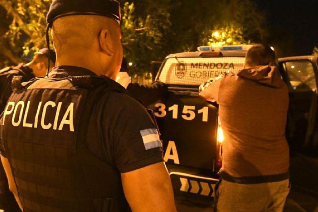 Entraron a una casa en Luján, ataron a los dueños y les robaron hasta la garrafa