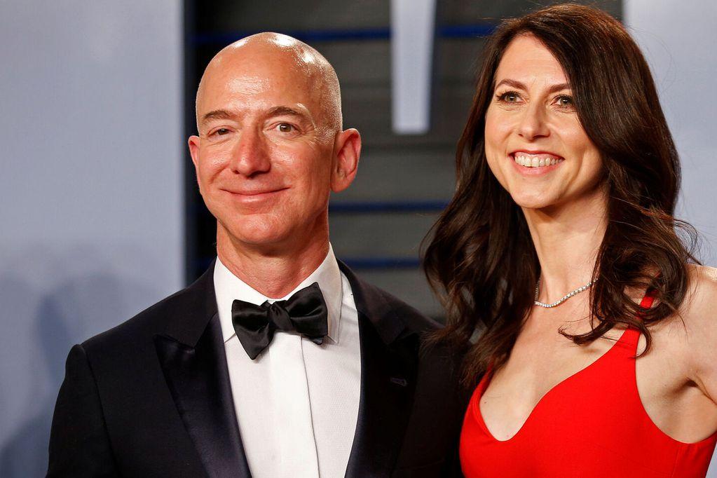 La ex esposa de Jeff Bezos, MacKenzie Scott, donó casi $6.000 millones de dólares para ayudar a los damnificados por la pandemia