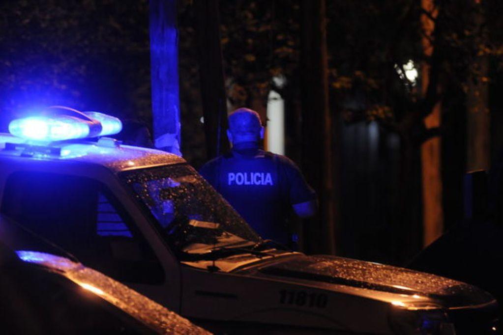 Ladrones armados asaltaron a los empleados de un restaurante de Luján