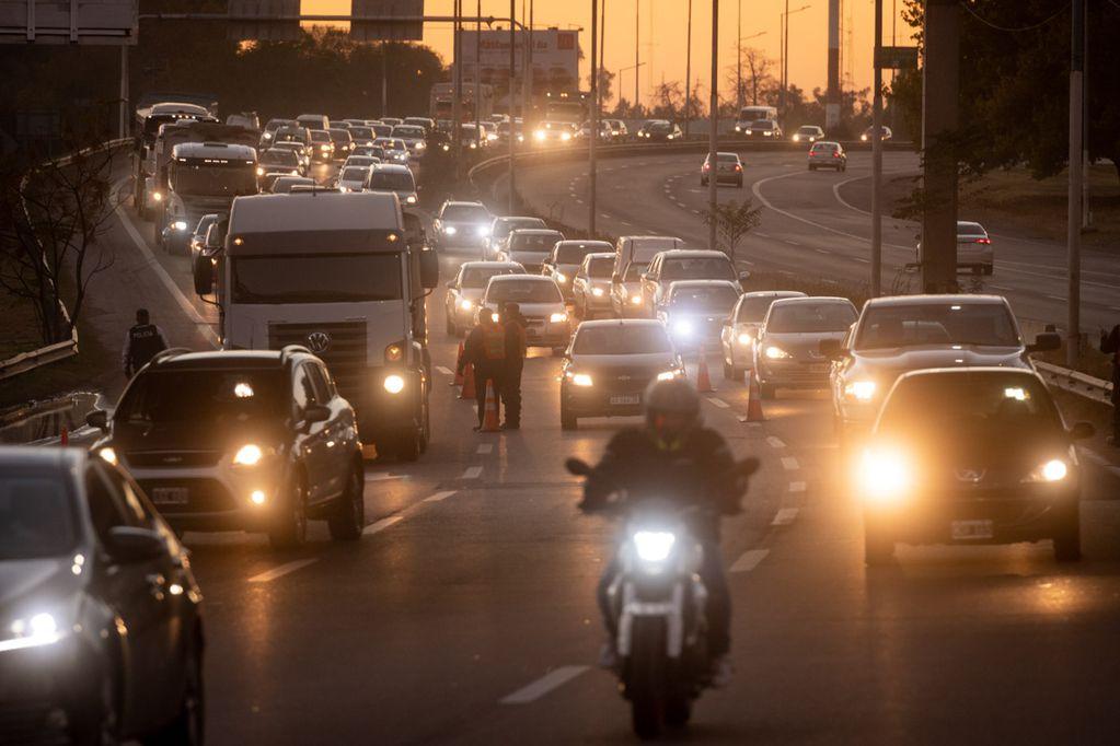 El punto ciego de los conductores es el factor de muchos incidentes viales. Foto: Ignacio Blanco / Los Andes