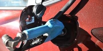 Surtidor surtidores nafta estacion servicio aumento gasolina