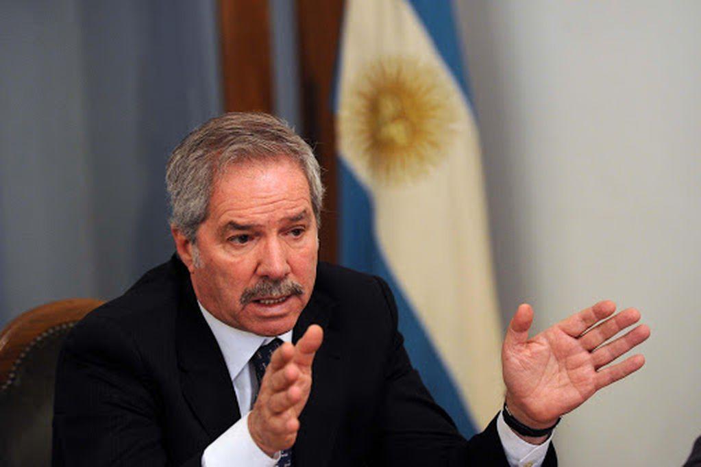 El ministro de Relaciones Exteriores aseguró no sentirse aludido por las palabras de la vicepresidente sobre el gabinete.