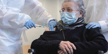 Tercera dosis para ancianos en residencias de España.
