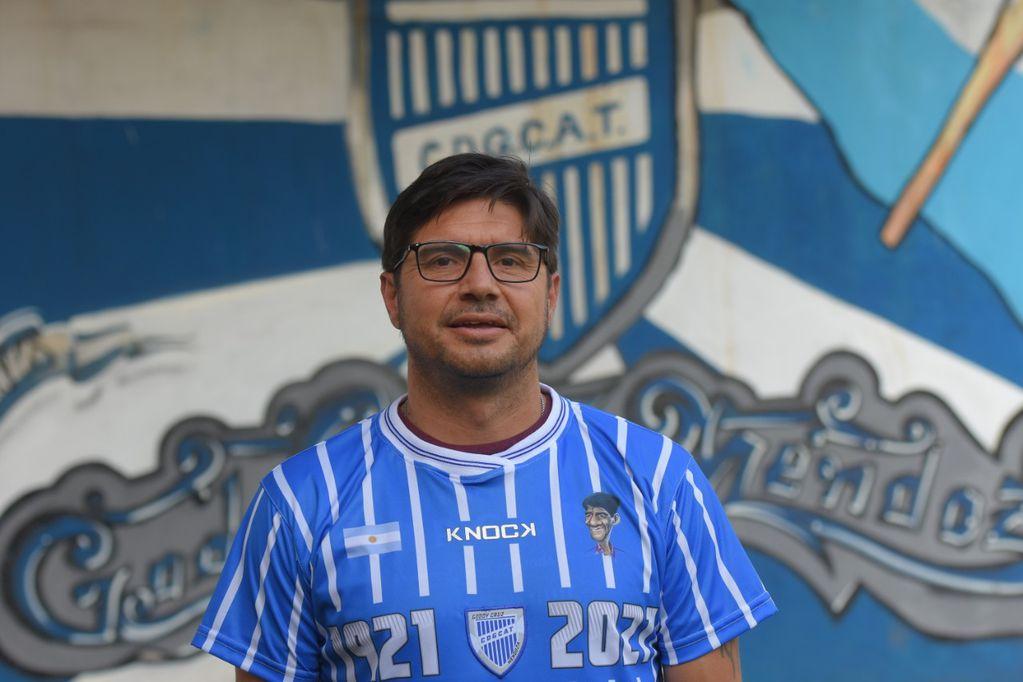 """Juan Alejandro """"Cachorro"""" Abaurre, uno de los grandes ídolos de Godoy Cruz Antonio Tomba. / Claudio Gutiérrez"""